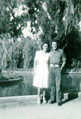 Mum(LoisPascoe)andDad(EricDavies)MelbourneZooFeb1946.jpg