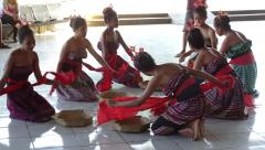 Dili - Arport - Welcome dancers 4.JPG