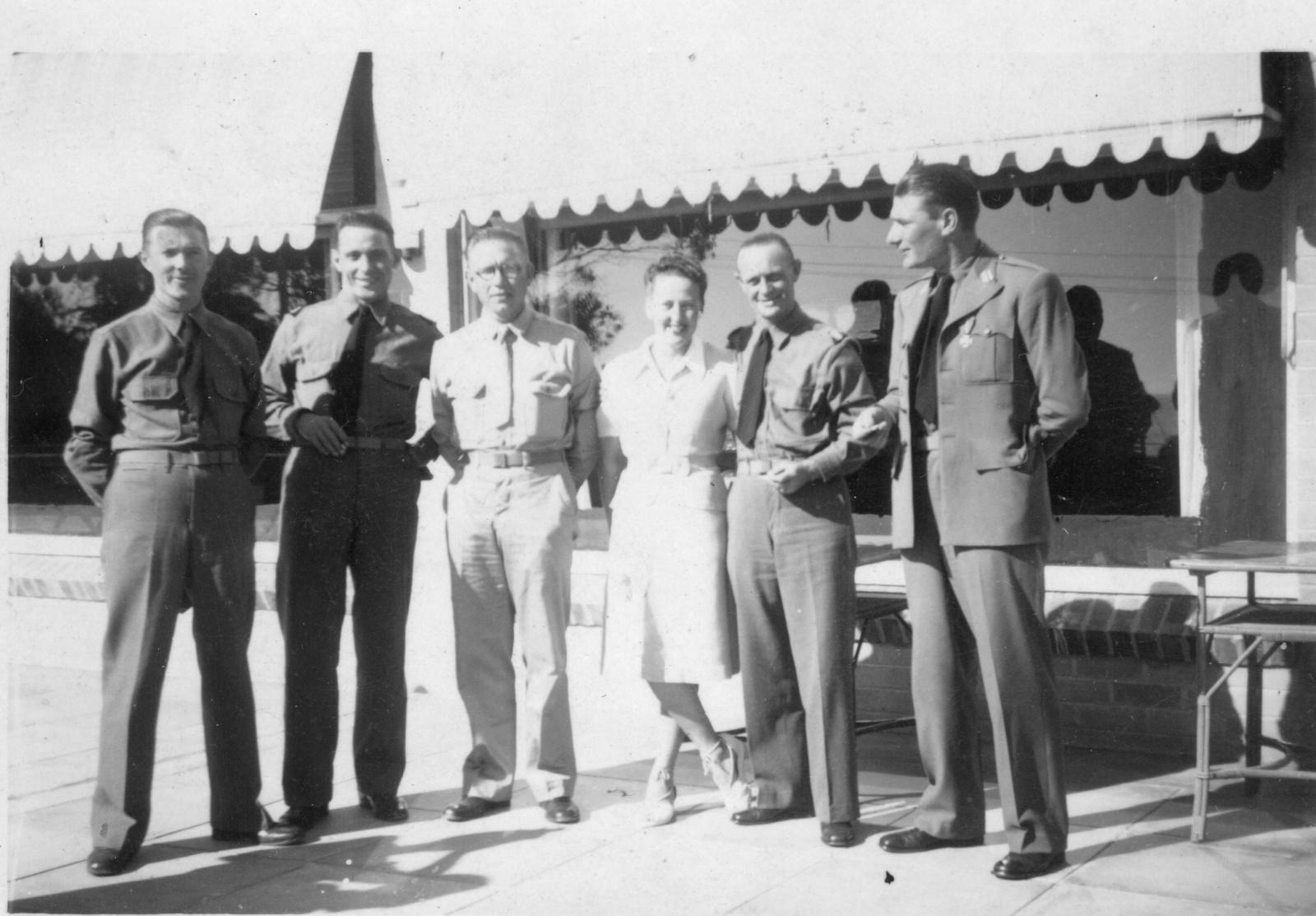 1943 bronzen kruis nagaan.jpg